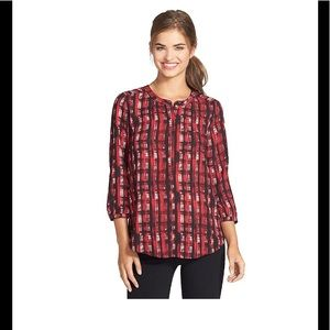NYDJ HENLEY BUTTON BLOUSE-THREE QUARTER SLEEVES